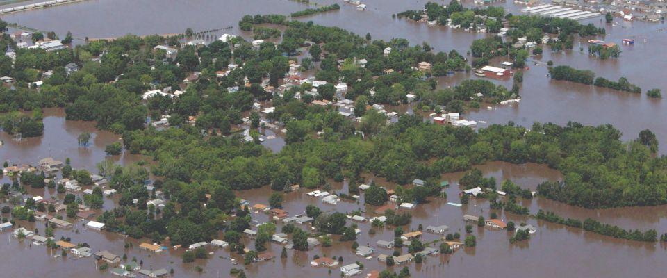 3894507 LA Sflooding aerial06 13 2008